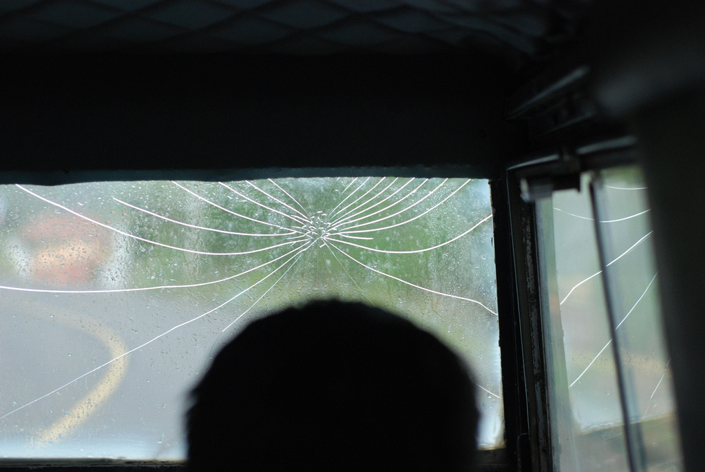 cracked-truck-windscreen